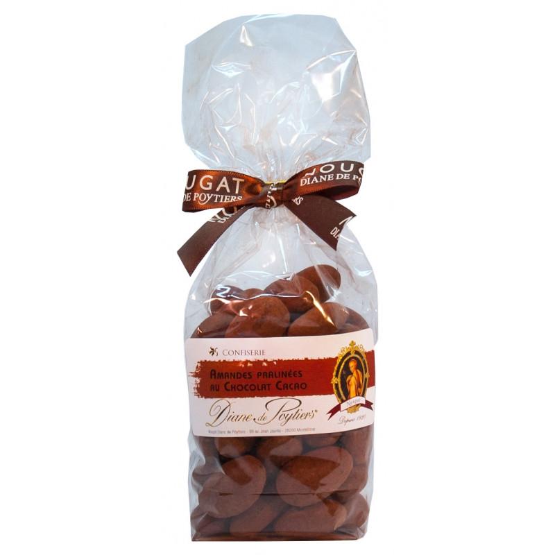 Spécialités de Provence. Amandes pralinées au chocolat